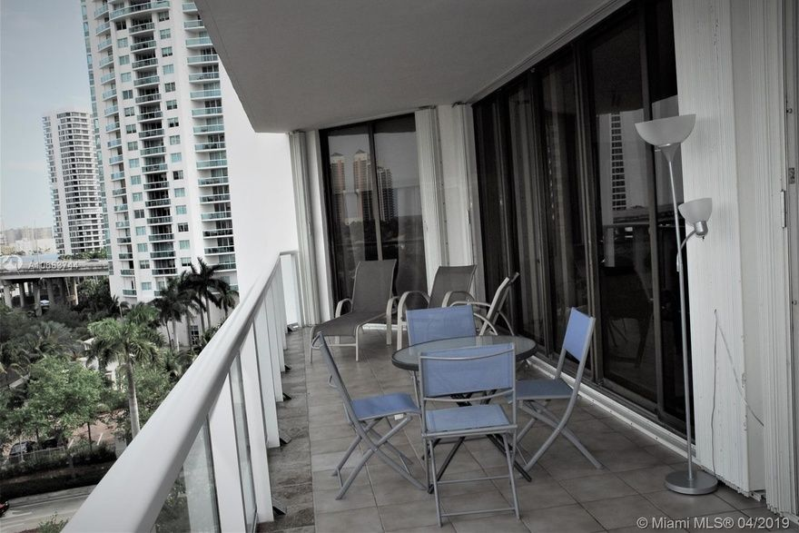 Marina Tower Of Turnberry Unit 6f 2 Bedroom Condo For